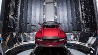Tesla Roadster Mars'a gidecek